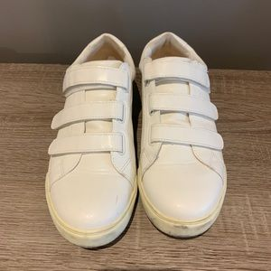 Shoes - Velcro sneakers